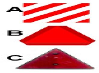 Welke bord behoort tot de verplichte markering achter een aanhangwagen ?plaatje