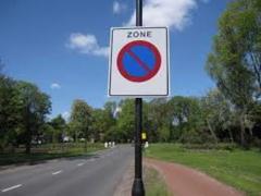 Voor welke kant van de weg geldt dit verkeersbord?plaatje